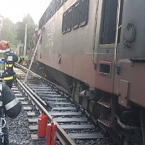 incendiu la o locomotiva in gara sinaia foto-video