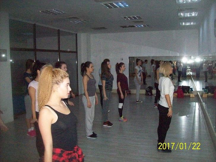 Castingul pentru trupa Happy Dance