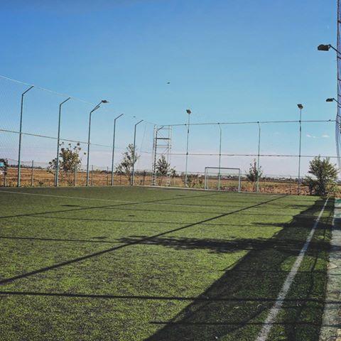 """"""" Academia de Mini Fotbal"""" a fost deschisa pentru amatorii de fotbal în aer liber."""