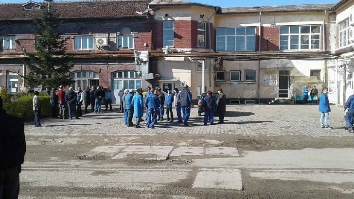 Protest la TCE Ploiesti .Transportul in comun este aproape suspendat total .