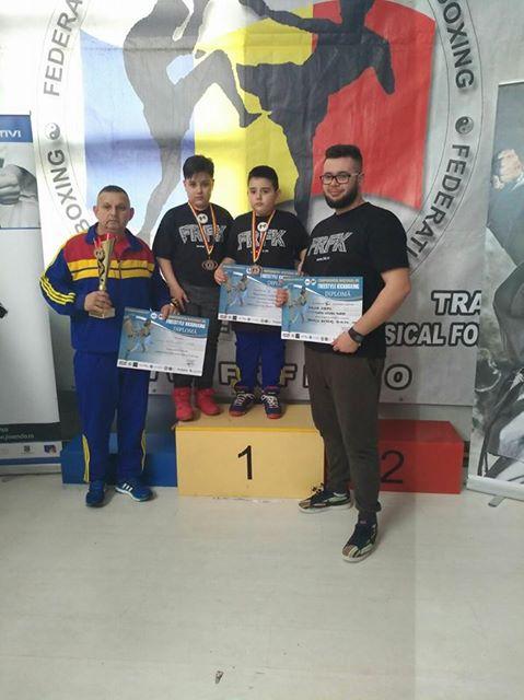 Rezultate bune pentru CS DINAMO VICTORIA PLOIESTI la Campionatul National de Freestyler - kick boxing .