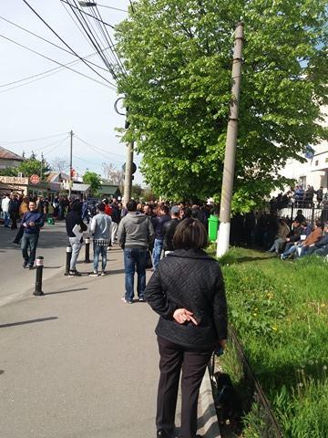 Inghesuiala la Serviciul de înmatriculări auto Prahova.
