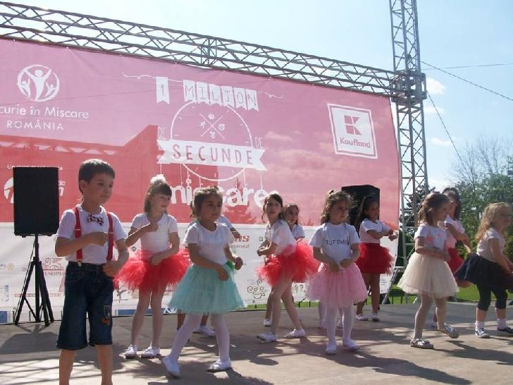 Peste 15.000 de participanţi la Bucurie în Mişcare Ploieşti, Deva, Făgăraş şi Râmnicu Vâlcea