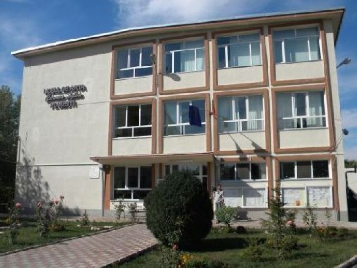 """Aniversare -  60 DE ANI de la înfiinţarea Colegiului de Artă """"CARMEN SYLVA"""""""