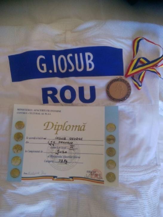 Iosub George  ,  jandarmul ploieştean cu nenumărate medalii şi trofee la judo.