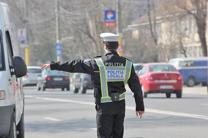 Poliţiştii locali nu mai au dreptul să amendeze şoferii în trafic.