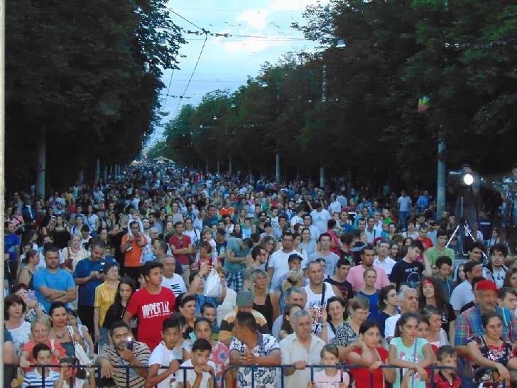Festivalul Ploieştiul Medieval a debutat în forţă.(foto si video )