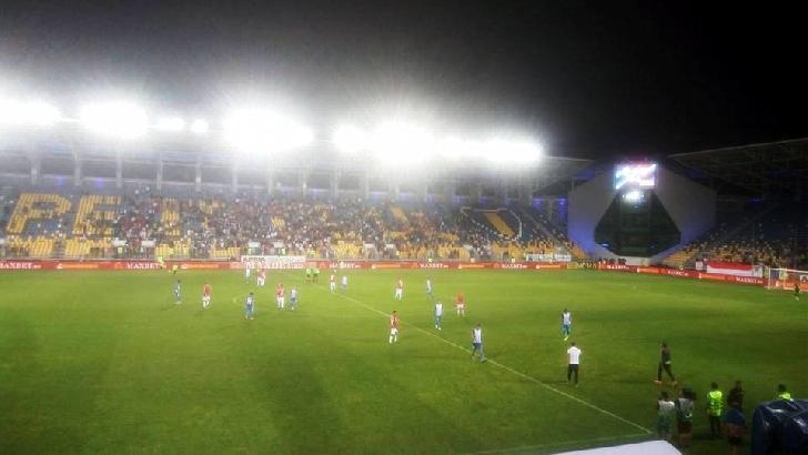 """Juventus Bucuresti – Dinamo Bucuresti 0 – 3. Victorie lejera a """"cainilor """" ,aseara la Ploiesti ."""