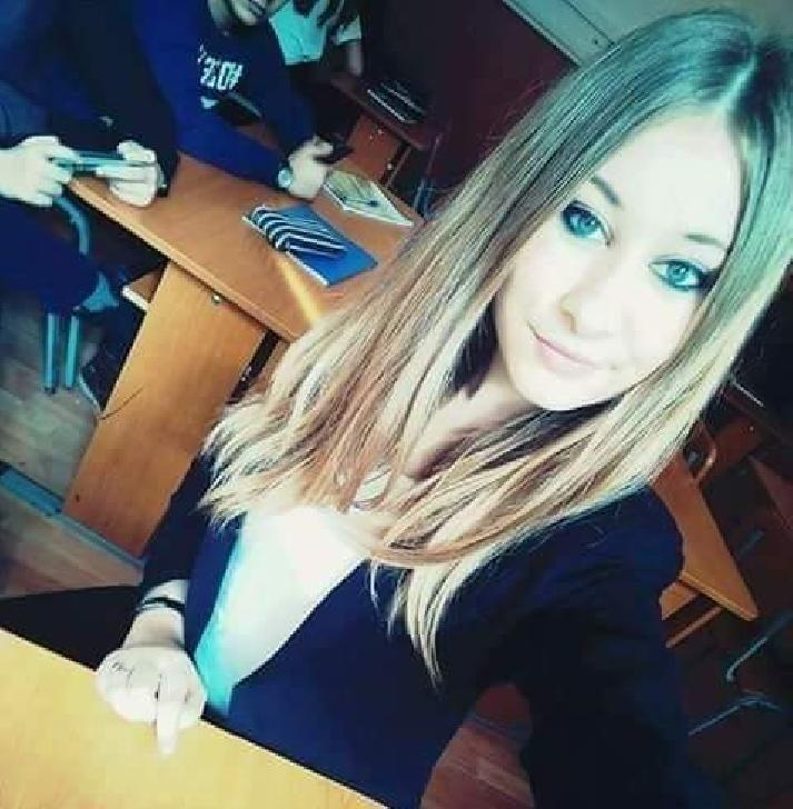Andreea Mihaela Dumitru – intre dans şi voluntariat.