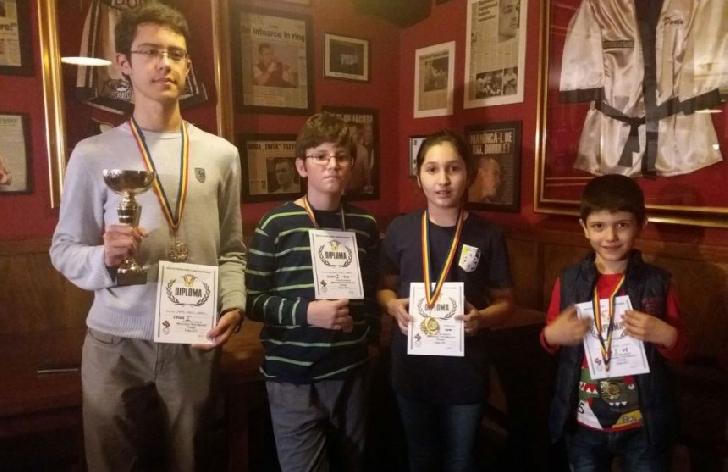 11 medalii pentru sahistii de la CSM Ploiesti