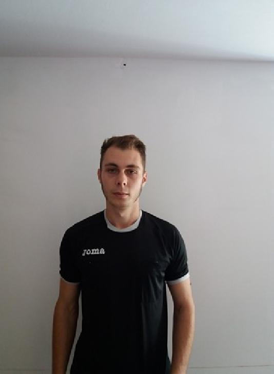 Bătaie la un meci din Liga C Prahova. Arbitrul Marius Barbuceanu a fost bătut la Dumbrava, de un poliţist