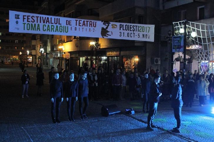"""Marţi seară Festivalul de Teatru"""" Toma Caragiu"""" Ploieşti (ediţia a 7 a), a avut un debut"""
