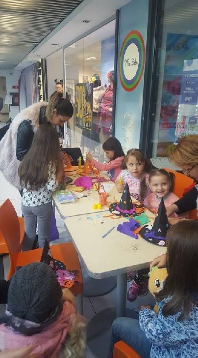 Zeci de copii au fost la petrecerea de Haloween din centrul comercial Winmarkt Ploieşti