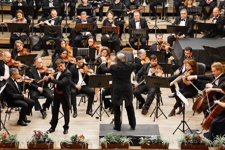 """Super concert simfonic, joi seara la Filarmonica """"Paul Constantinescu """"Ploieşti"""
