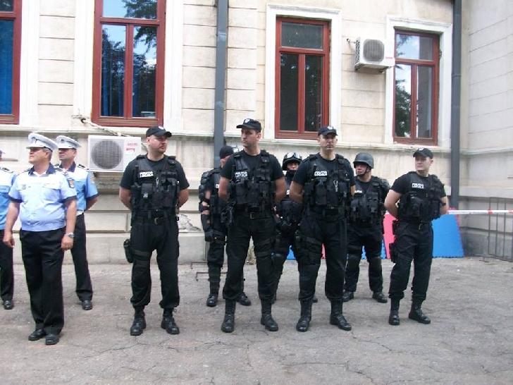 Poliţiştii locali ploiesteni au verificat agenţii economici din şcoli
