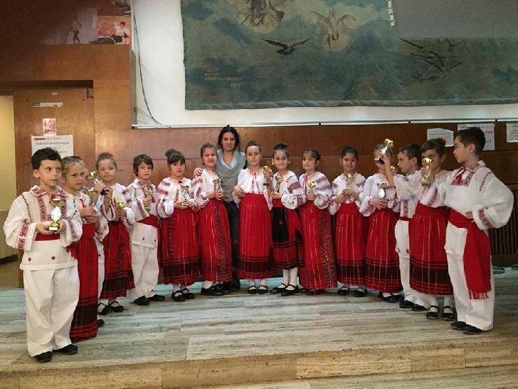 Ansamblul  Muguraşii Ploieşti , locul 2 la Concurs Naţional Cupa Toamnei   Bucureşti