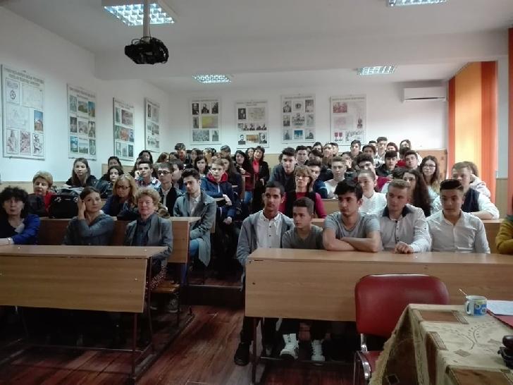 """Sute de elevi din toată ţara au participat la CN  organizat de Colegiul """" Toma Socolescu """"Ploiesti"""