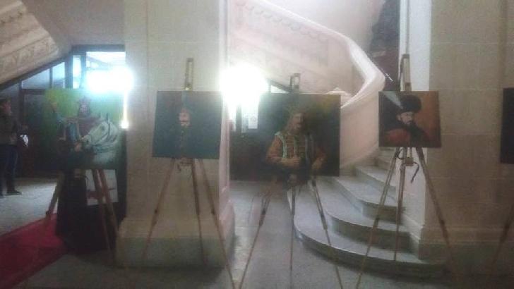 """A fost deschisa expoziţia  de pictură """"Reflecţii istorice"""""""