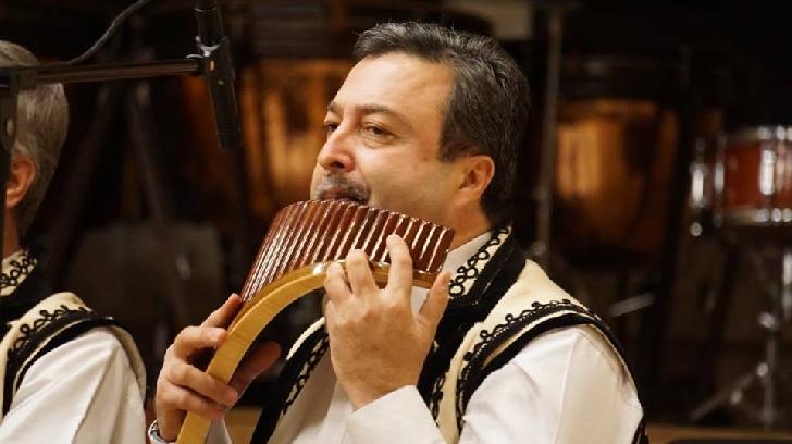"""Ziua Unirii a fost sărbătorită cu dansuri populare şi folclor autentic, la Filarmonica """"Paul Constantinescu """""""