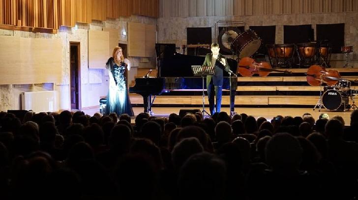 Concert de excepţie cu Ioana Maria Lupaşcu şi Cezar Oautu, la Filarmonica Ploieşti