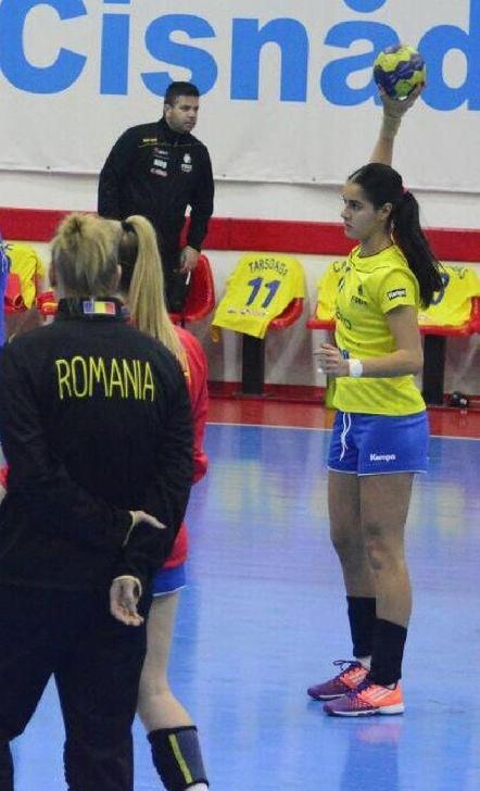 Handbalista Bianca Zecheru a fost convocata la lotul national de junioare al României