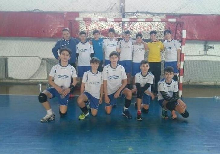 Echipa de handbal juniori 3 a CSM Ploieşti ,victorie importanta cu CSŞ 2 Bucuresti
