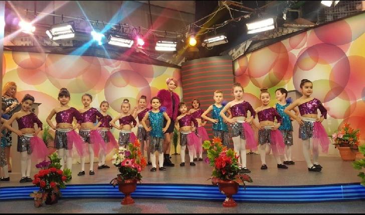 EXCLUSIV . Flash interviu Mihaela Nicolae (profesor-coordonator) Studio Elite Dance