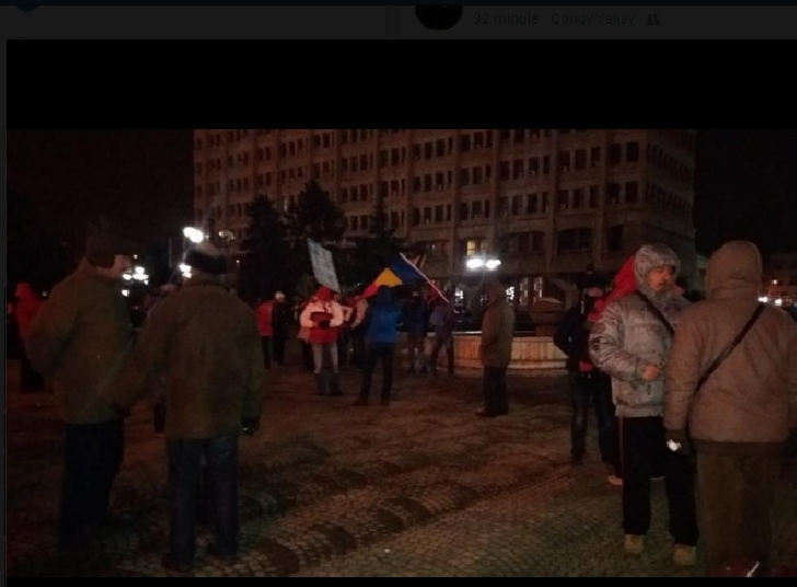 Doar câteva persoane la protestul de la Ploieşti