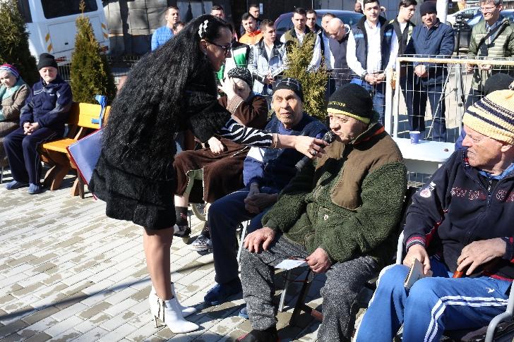 Info Ploieşti City şi DJ Kabal au adus primavara în sufletul persoanelor varstnice de la Darius Medical Center