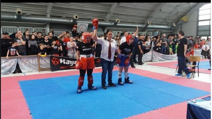 Sportivii de la Ambiţia MMA Mădălin au câştigat medalii la Campionatul Naţional de KickBoxing, de la Bucureşti