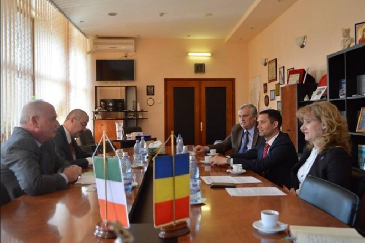 Ambasadorul Irlandei în România a fost in vizita la Prefectura Prahova