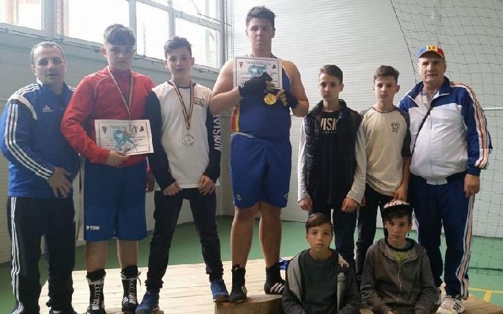 Boxerii de la CSM Ploieşti, trei medalii la Cupa României de Cadeţi