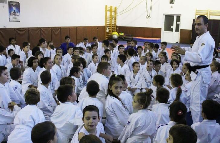 Micii judoka de la CSM-CFR-CSŞ Ploieşti, 44 de medalii cucerite în weekend