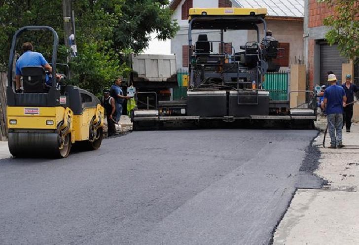 Primăria Municipiului Ploieşti a inceput lucrarile de intretinere carosabil pe strada Gradinari