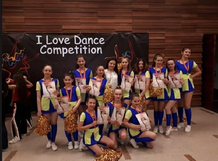"""Trupa Happy Dance , locul 1 ( majorete ) la  """" I Love Dance Competition """" Bucuresti"""