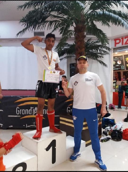 Florin GHIŢĂ Academy a obţinut medalii importante la Competiţia Absolut-Xtrem Kickboxing, de la Bucureşti