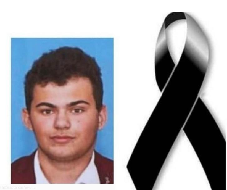 Tanarul Vlad Constantinescu a pierdut lupta cu viata . Dumnezeu sa te aiba in paza,Vlad.