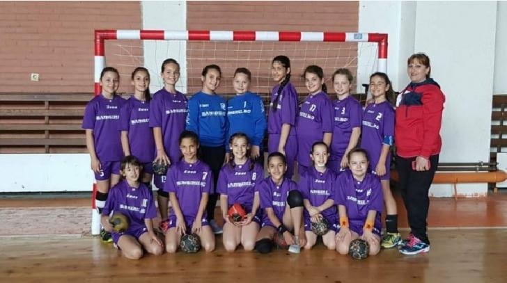 CSM Ploiesti . Echipa de minihandbal fete s-a calificat la Turneul final al campionatului