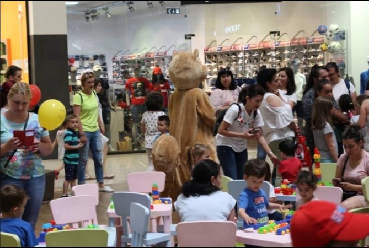 """Ploieşti Shopping City a fost luat cu asalt în """"Weekend-ul copilăriei """"(foto si video )"""