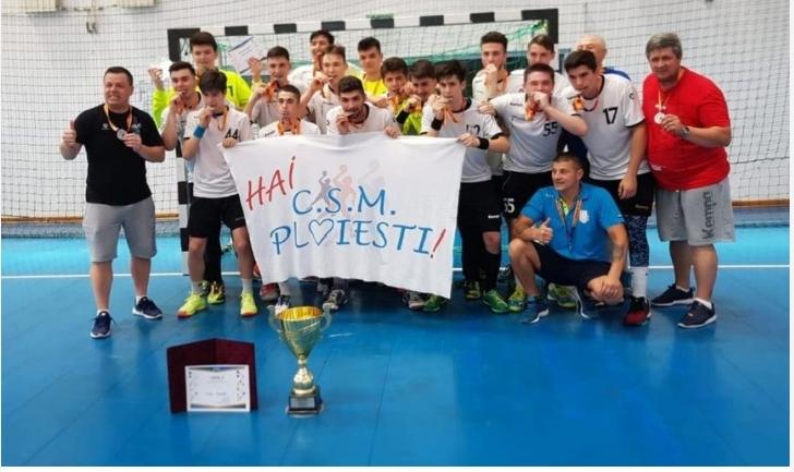 CSM PLOIESTI . Echipa de handbal juniori,vicecampioana nationala