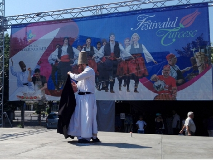 A început festivalul turcesc de la Ploieşti