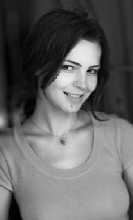 """Interviu cu singura actrita din Prahova care joaca la Holywood . """" Îmi place să iubesc, să mă maturizez şi să am flexibilitate în relaţiile cu oamenii. """""""