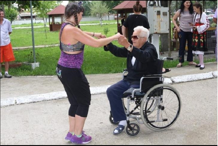 Eveniment caritabil. Zâmbete şi emoţii la Centrul de Îngrijire şi Asistenţă pentru Persoane Adulte cu Handicap Puchenii Mari