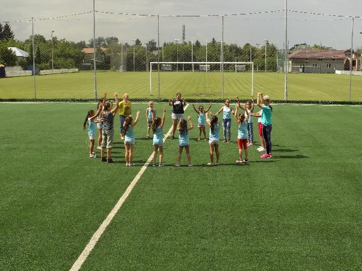 """Copiii de la OU Concordia România au primit sute de cadouri la evenimentul """"Sport şi mişcare pentru Concordia"""