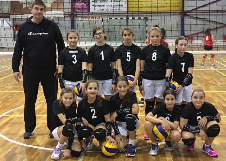 """Meci de volei,caritabil,in Sala Sporturilor """"Olimpia """""""