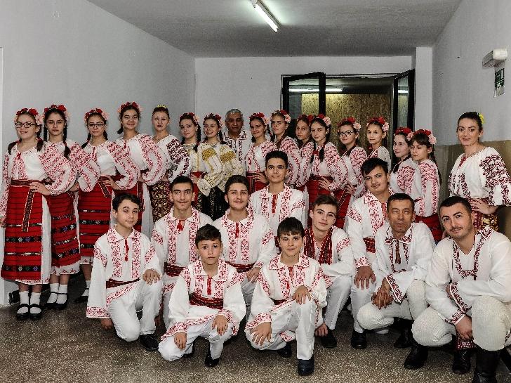 """Ansamblul Folcloric """"Prahova-Junior"""" al Casei de Cultură """"Ion Luca Caragiale"""" Ploieşti participa la """"Zilele Comunei Ceptura"""""""