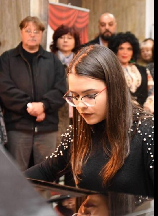 """A căzut cortina peste Festivalul de teatru """"Toma Caragiu """"Ploieşti (ediţia a 8 a)"""