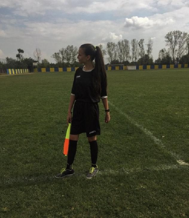 Dinu Alexandra, la 16 ani este intre  fotbal, sport şi vioară