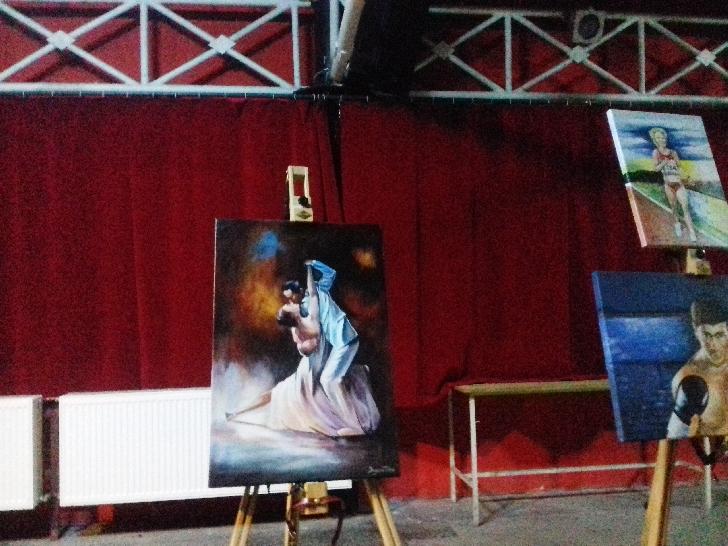 Expoziţie de tablouri realizate de persoane private de libertate  la Casa de Cultură a Studenţilor Ploieşti