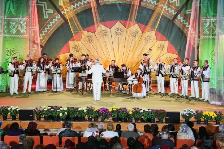 """Lista concurentilor la Festivalul Concurs Naţional de Folclor """"Cunună de Cântec Românesc"""" 2018"""